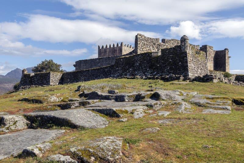 Castillo de Lindoso - Parque Nacional DA Peneda-Geres - Portugal fotografía de archivo libre de regalías