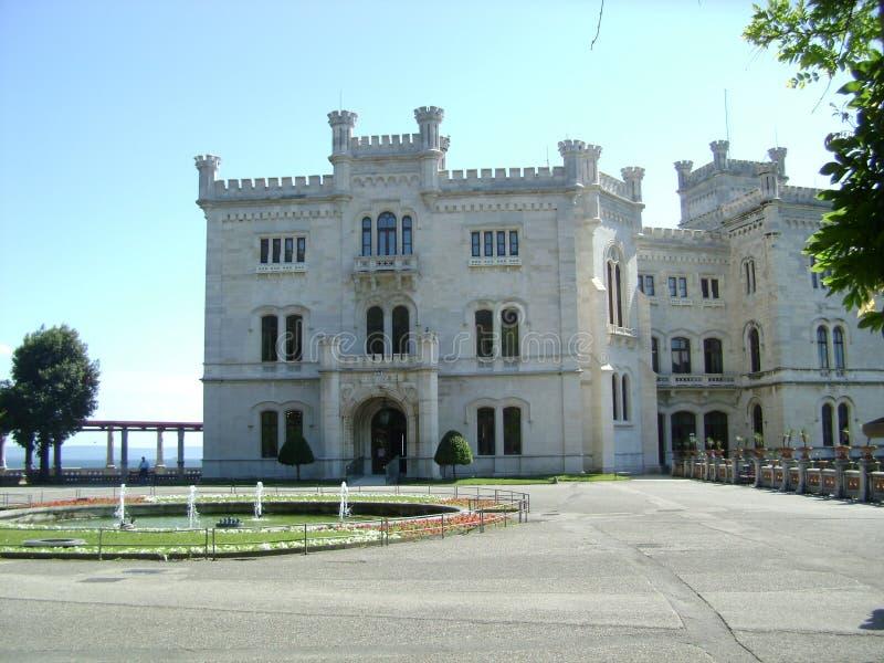 Castillo de Miramare en Triest, Italia fotografía de archivo libre de regalías