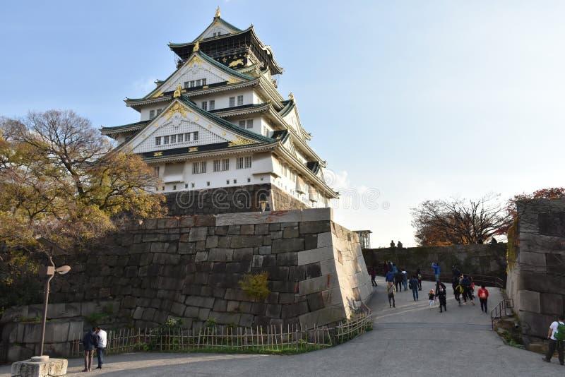 Castillo de Osaka en la Osaka de igualación, Japón fotos de archivo