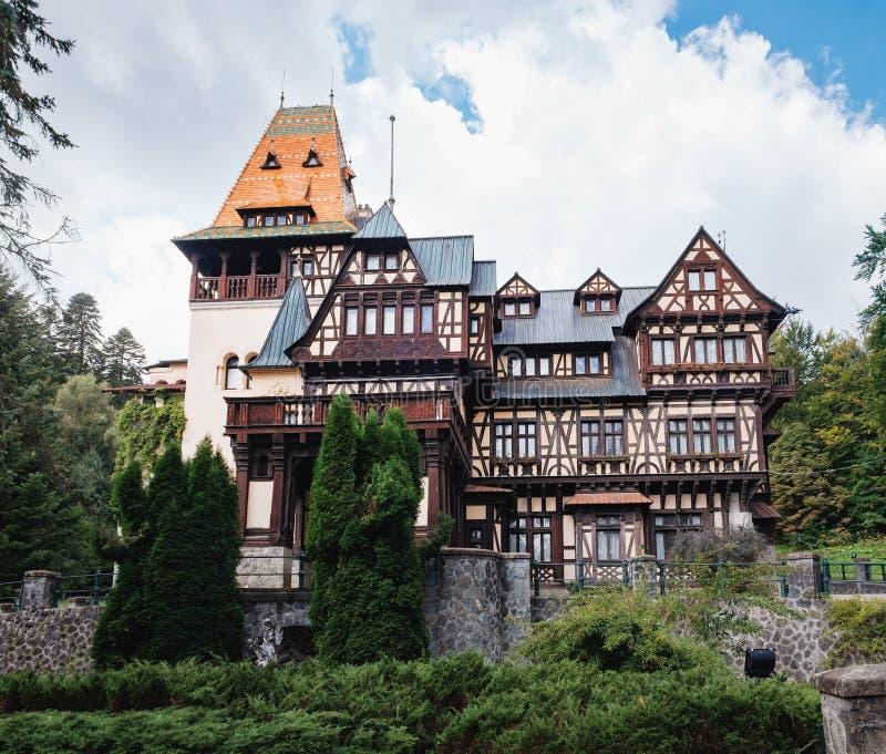 Castillo de Pelisor en Rumania fotografía de archivo libre de regalías