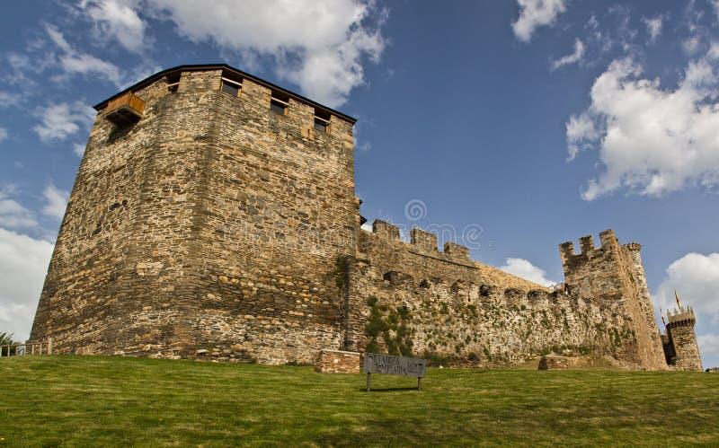 castillo de ponferrada arkivfoto