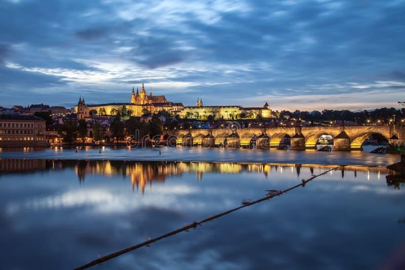 Download Castillo de Praga imagen de archivo. Imagen de panorámico - 44855791