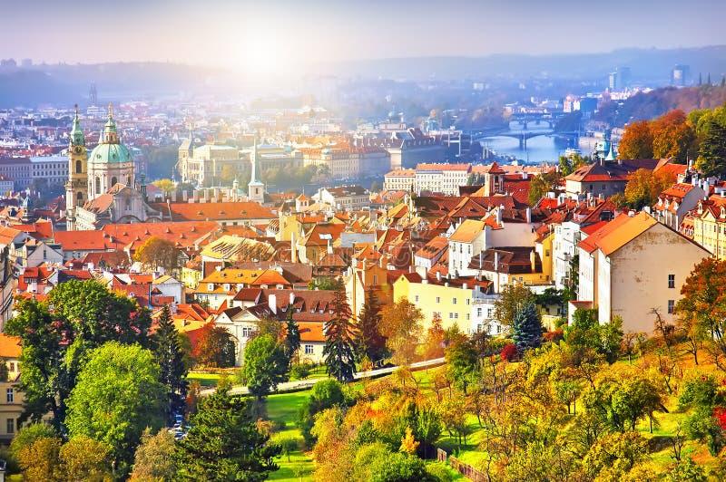 Castillo de Praga del panorama imagen de archivo libre de regalías