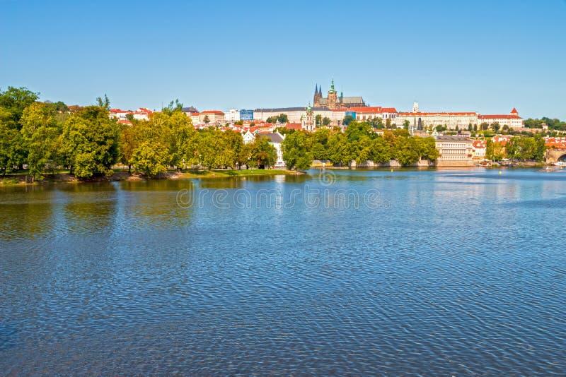 Castillo de Praga y puente de Charles foto de archivo libre de regalías