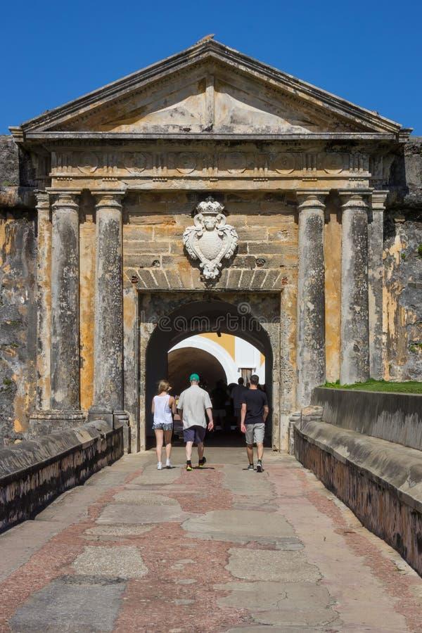 CASTILLO DE SAN FELIPE DEL MORRO, PORTO RICO, U.S.A. - 16 FEBBRAIO 2015: Entrata alla fortezza immagine stock libera da diritti