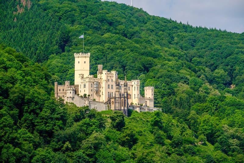 Castillo de Stolzenfels en el valle del Rin cerca de Coblenza, Alemania fotos de archivo