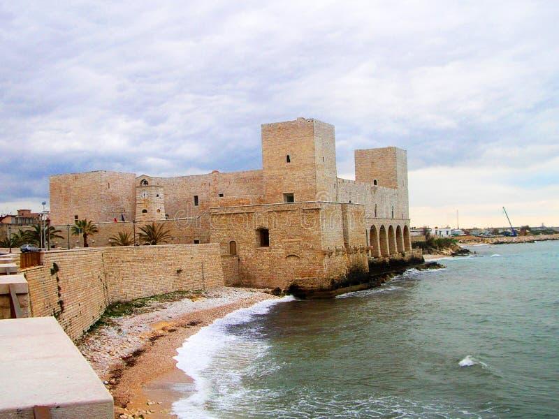 Castillo de Trani imagen de archivo libre de regalías