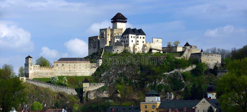Castillo de Trencin, Eslovaquia imagen de archivo