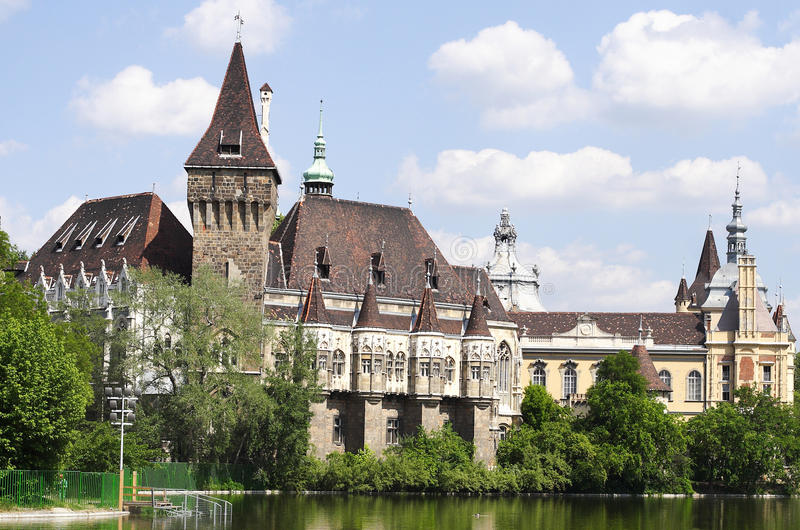 Castillo de Vajdahunyad imagenes de archivo