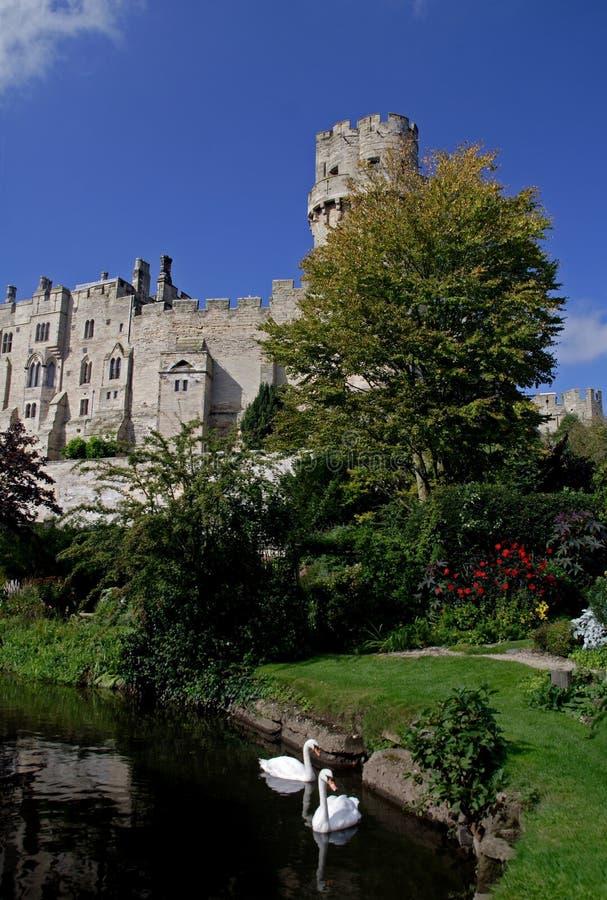 Download Castillo de Warwick foto de archivo. Imagen de fosa, cielo - 1285352