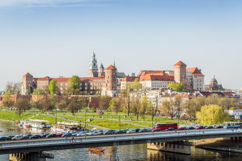 Castillo de Wawel establecido maravillosamente en el corazón de Kraków, Polonia fotografía de archivo