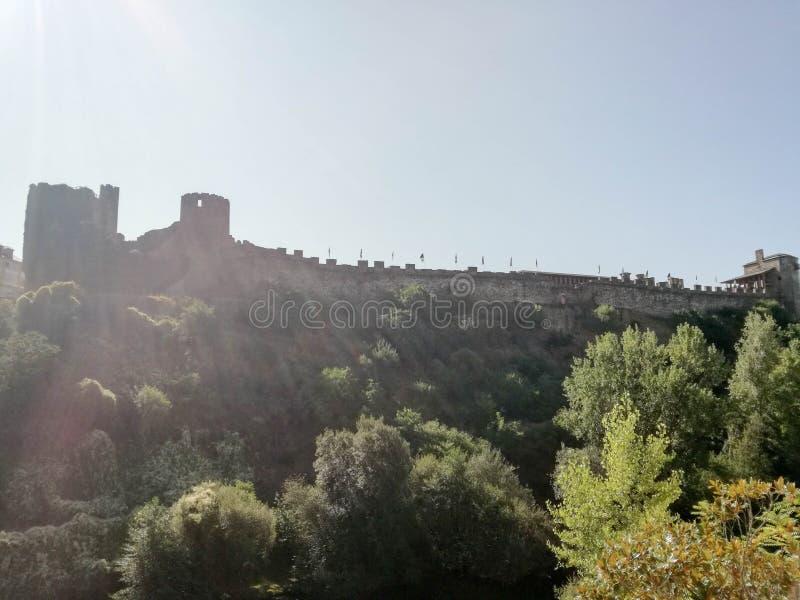 Castillo debajo del sol fotos de archivo