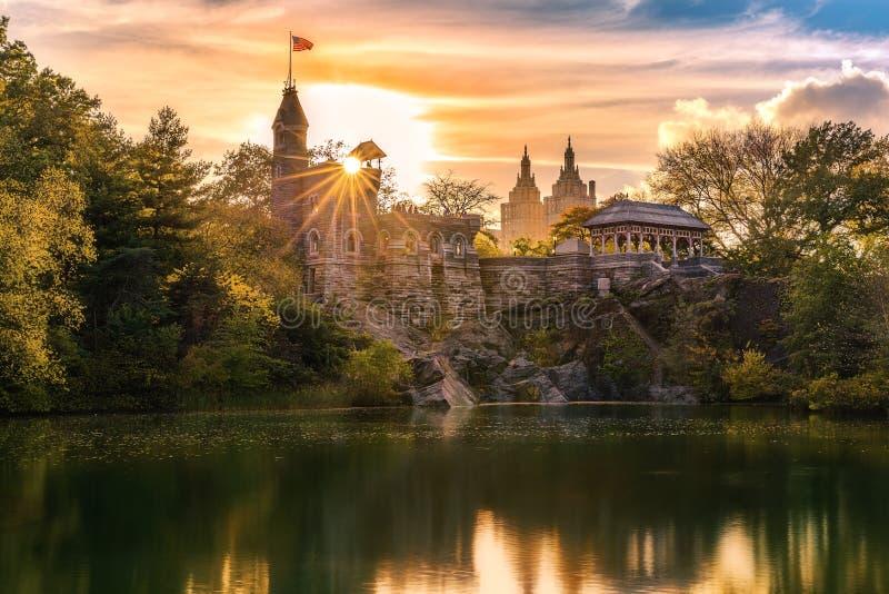 Castillo del belvedere en la puesta del sol foto de archivo libre de regalías