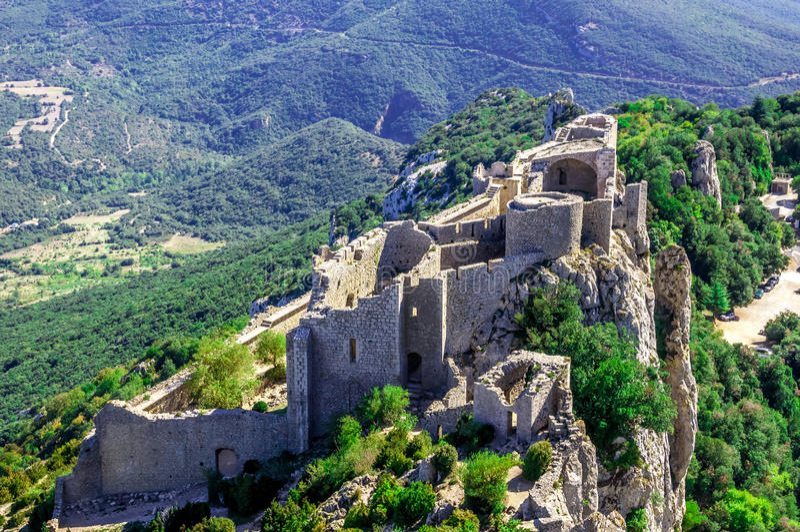 Castillo del cathar de Peyrepertuse imágenes de archivo libres de regalías