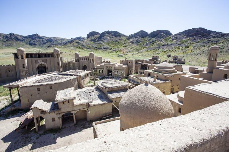 Castillo del estudio cinematográfico en Tas de Tamgaly - Kazajistán - Asia Central imagen de archivo