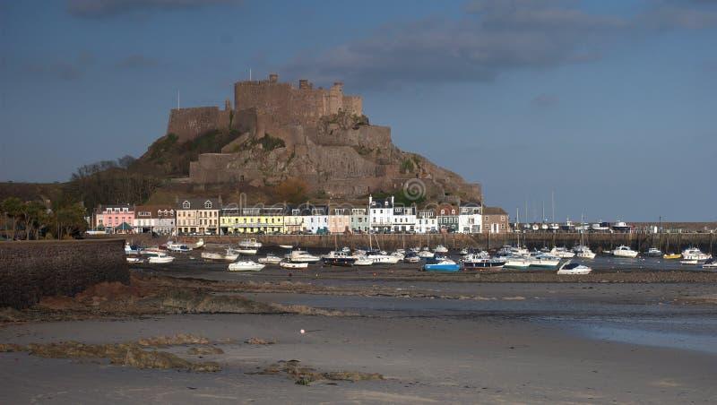 Castillo del orgueil del montaje en Jersey fotos de archivo libres de regalías