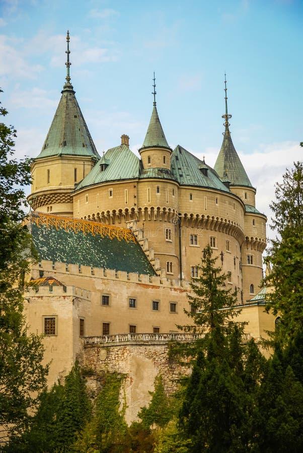 Castillo en Bojnice, Eslovaquia imagen de archivo libre de regalías