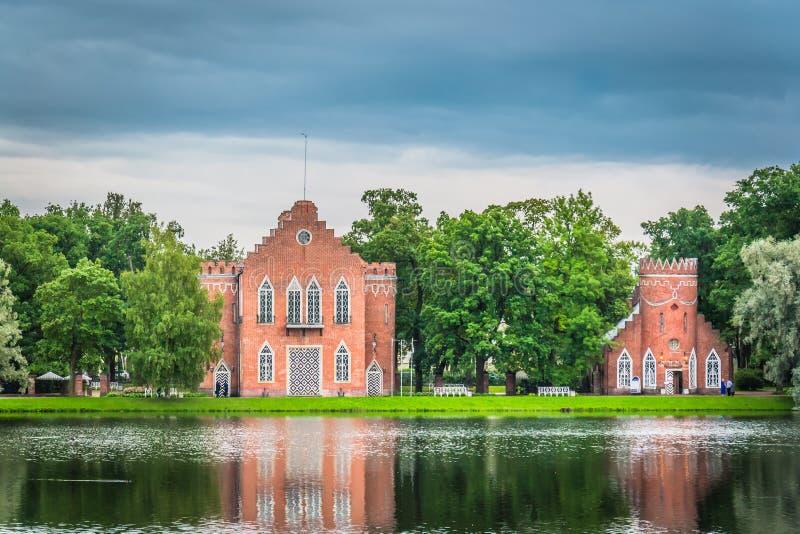 Castillo en el lago, imagen de archivo libre de regalías