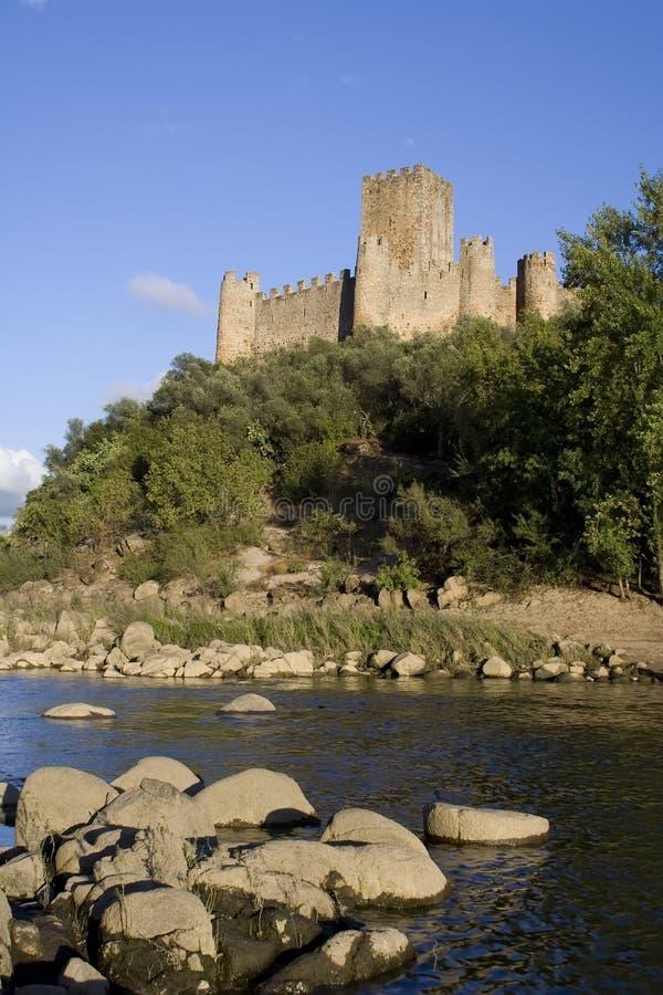 Castillo en el río de Tagus imagen de archivo