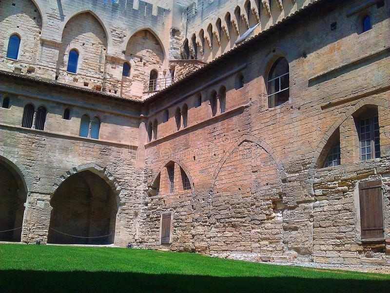 Castillo en el verde imagen de archivo libre de regalías