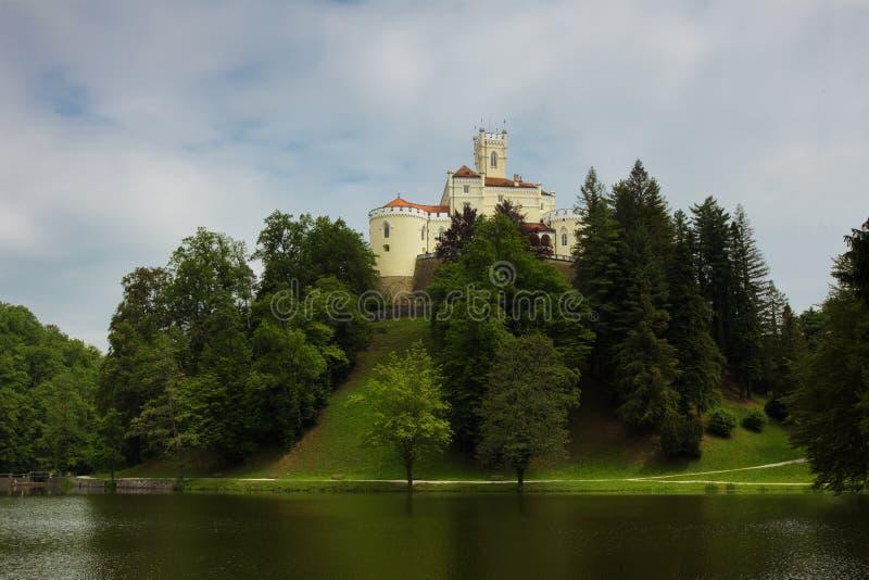 Castillo en la colina en Trakoscan foto de archivo libre de regalías
