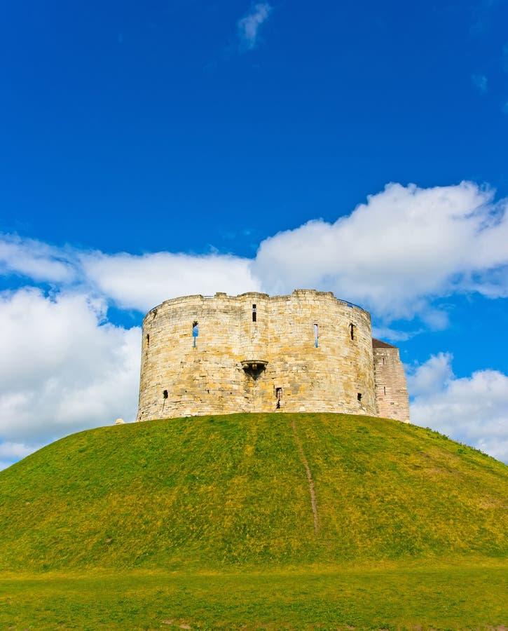 Castillo en la torre de York Cliffords imágenes de archivo libres de regalías