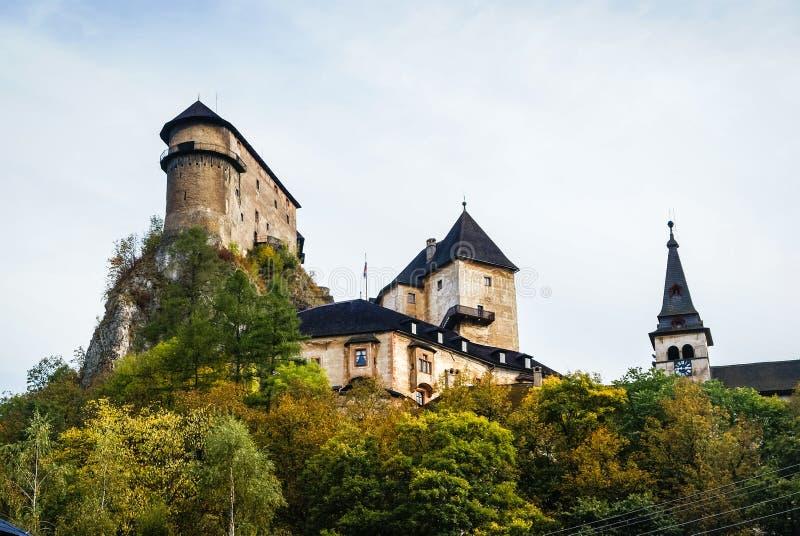 Castillo en Orava, Eslovaquia fotos de archivo