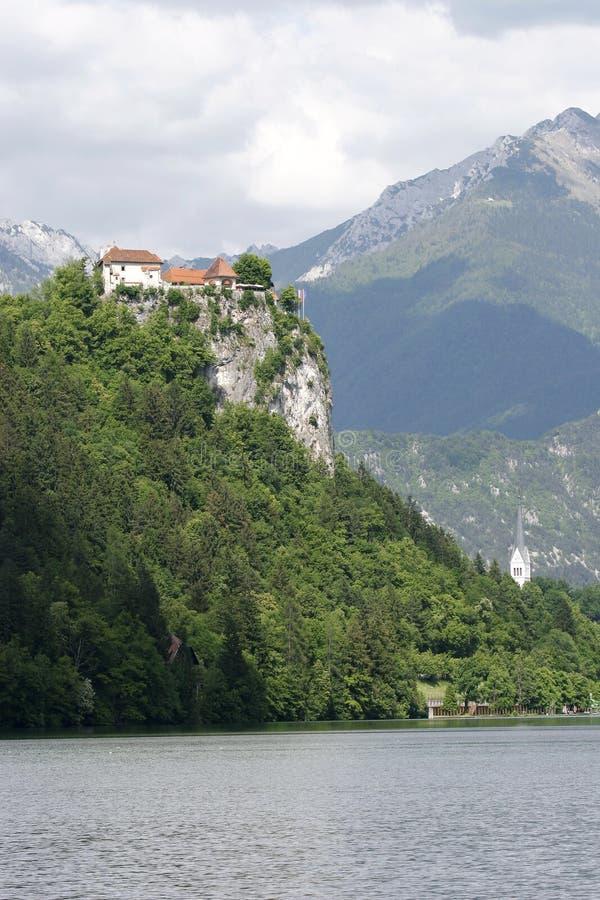 Castillo en roca imagen de archivo