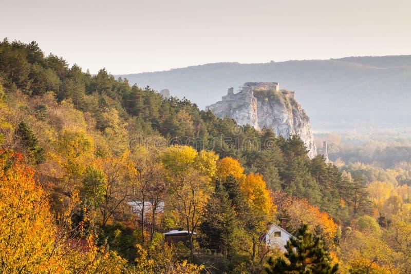 Castillo famoso Devin cerca de Bratislava, Eslovaquia fotos de archivo libres de regalías