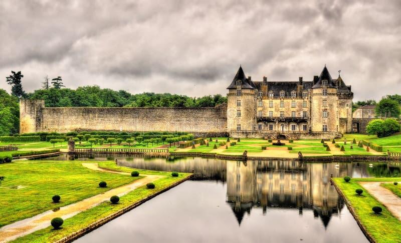 Castillo francés de La Roche Courbon en el departamento Charente-marítimo de F imagen de archivo