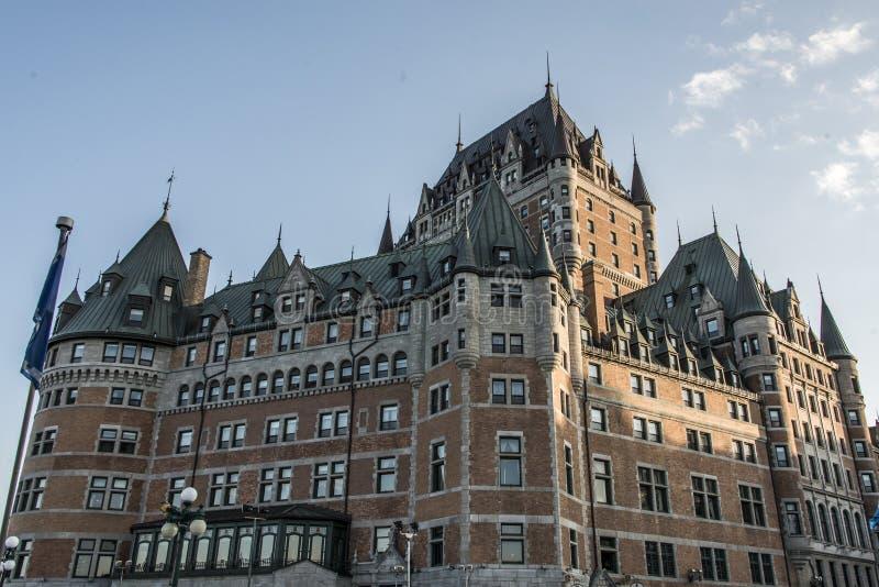 Castillo francés Frontenac de la puesta del sol de Canadá la ciudad de Quebec la mayoría del sitio famoso del patrimonio mundial  foto de archivo