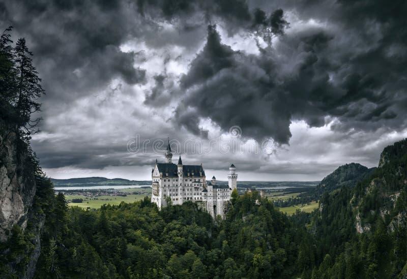 Castillo frecuentado imagen de archivo libre de regalías