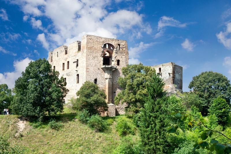 Castillo gótico Krakovec a partir de 1383 cerca de Rakovnik, República Checa imagen de archivo libre de regalías