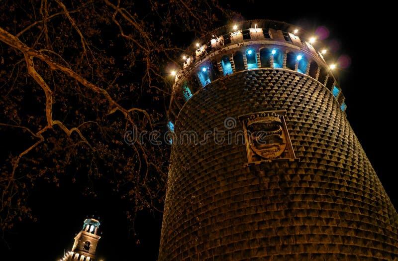 Castillo medieval en la noche (4) imagen de archivo libre de regalías