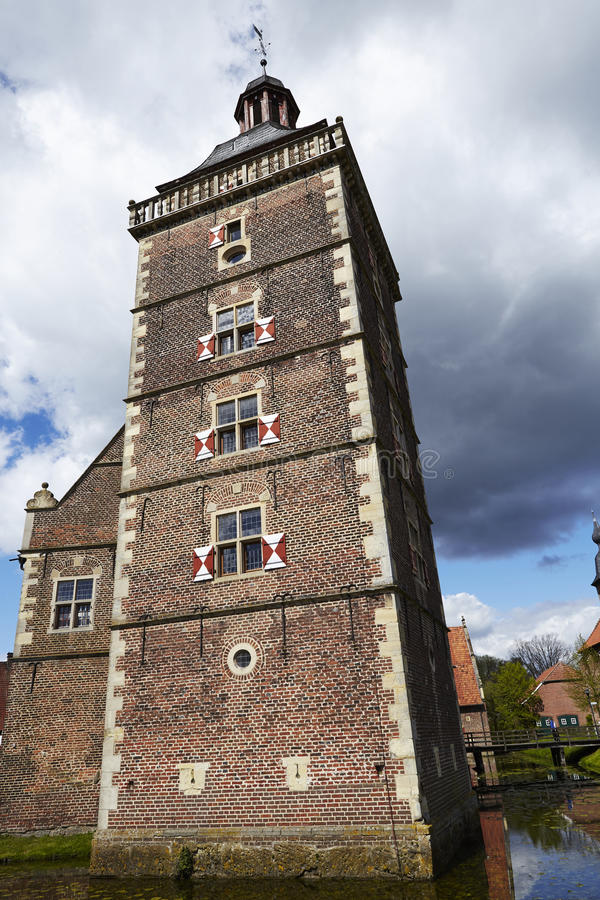 Castillo Moated Raesfeld Alemania - torre foto de archivo libre de regalías