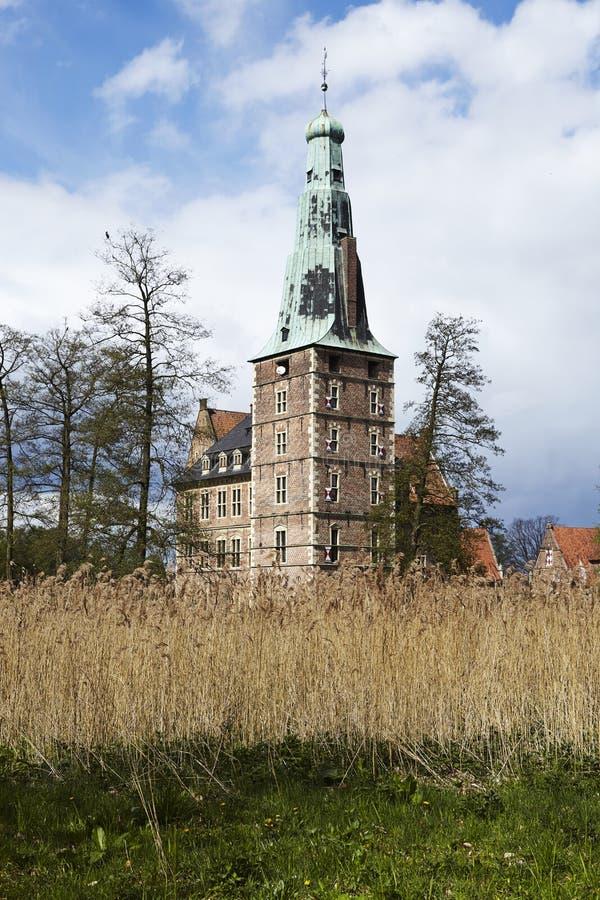 Castillo Moated Raesfeld Alemania - visión total fotos de archivo libres de regalías
