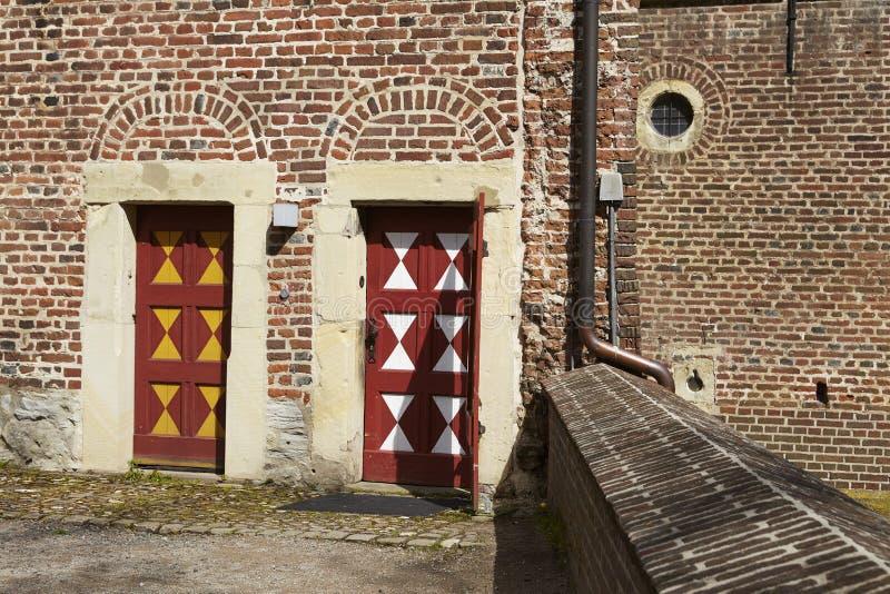 Castillo Moated Raesfeld - puertas de entrada imagenes de archivo
