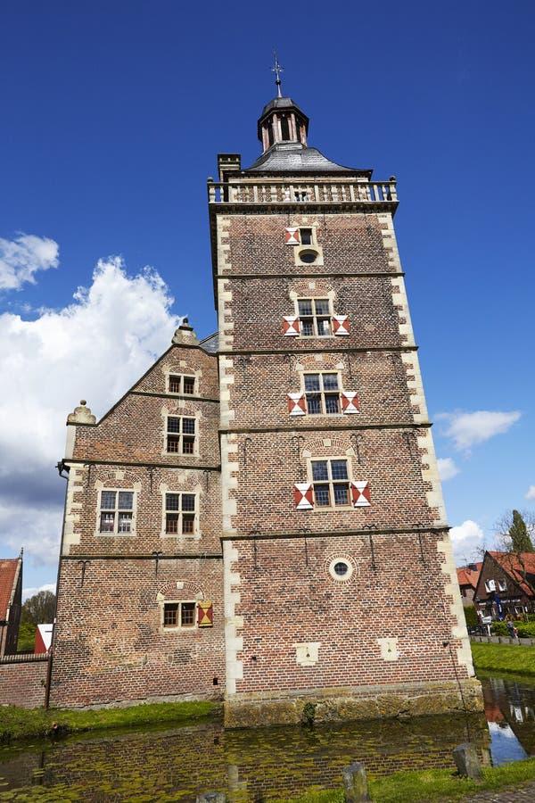 Castillo Moated Raesfeld - torre fotografía de archivo libre de regalías