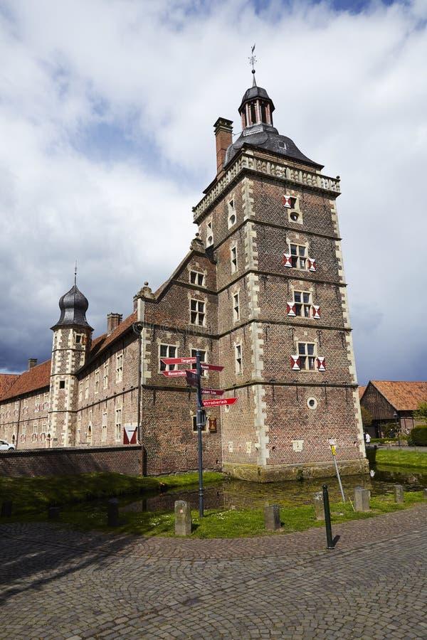 Castillo Moated Raesfeld - torre foto de archivo libre de regalías