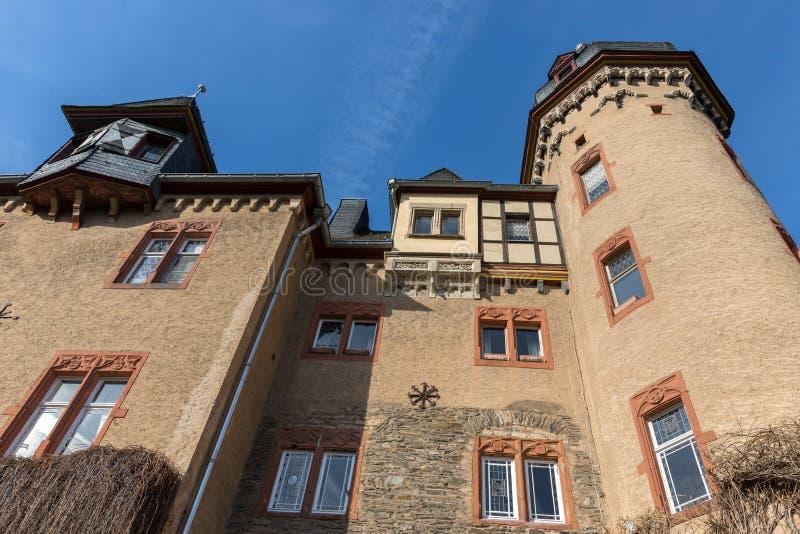 Castillo namedy cerca del río Rhine Alemania foto de archivo