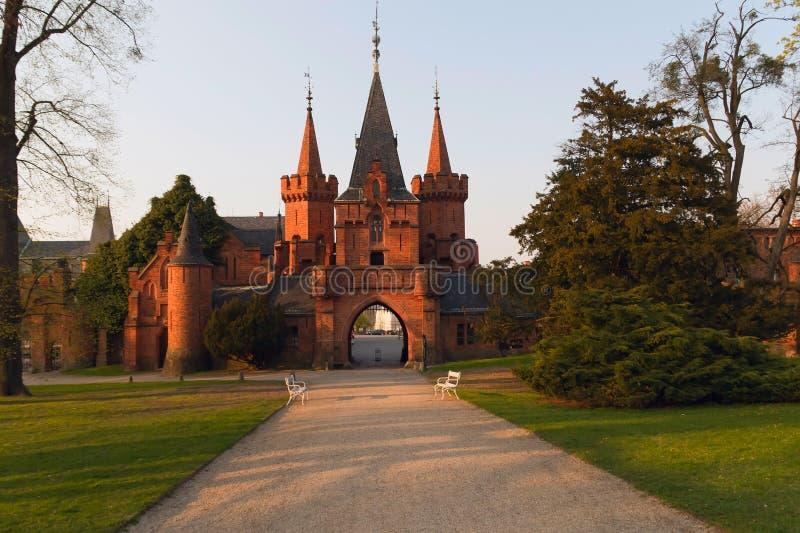 Castillo romántico del ladrillo imagenes de archivo