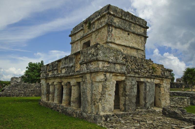 Castillo is samengesteld uit pijlers en een brede vierkante torentribunes bijna in tact ondanks de passage van tijd royalty-vrije stock afbeelding