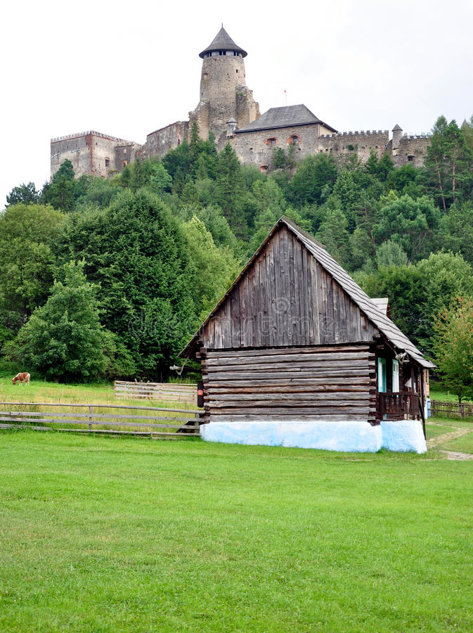 Castillo Stara Lubovna, Eslovaquia, Europa foto de archivo libre de regalías