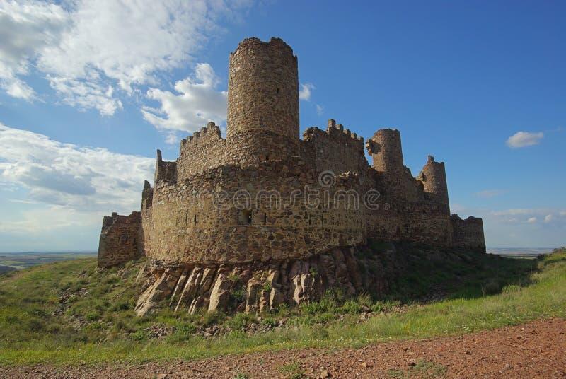 Castillo van Almonacid stock afbeeldingen
