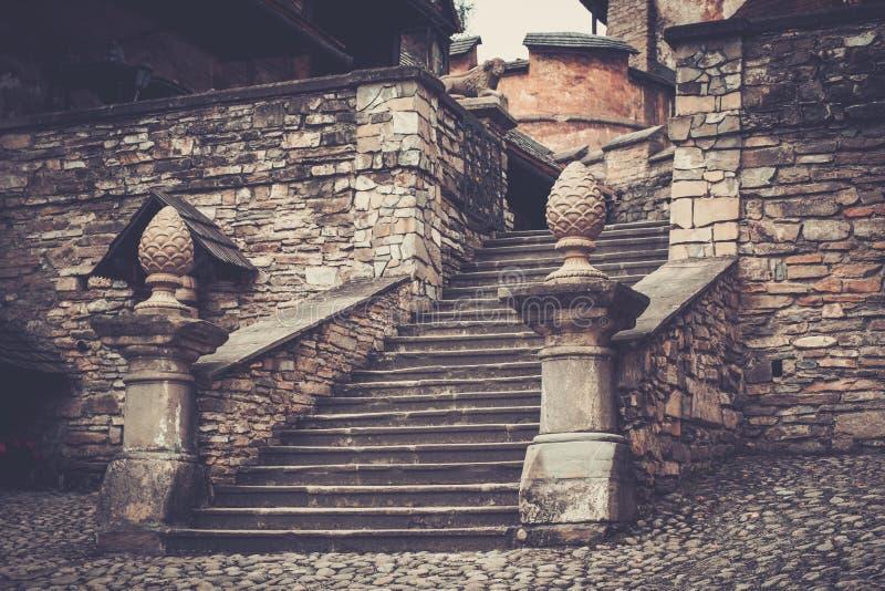 Castillo viejo de Orava en Eslovaquia imagenes de archivo