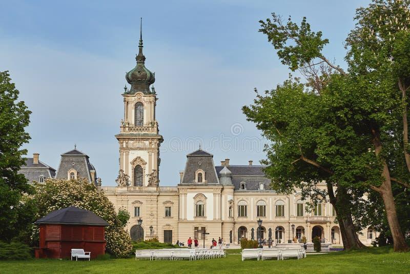 Castillo viejo hermoso Festetics en la ciudad Keszthely en Hungría 05 01 Hungría 2018 imagen de archivo libre de regalías