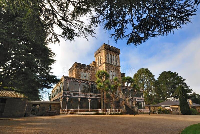 Download Castillo y jardín fotografía editorial. Imagen de castillo - 44850852