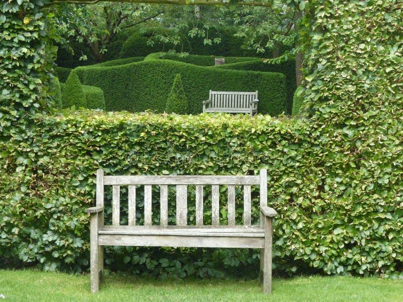 Castillon ogród z ścianami krzaki w Normandy Francja zdjęcie royalty free