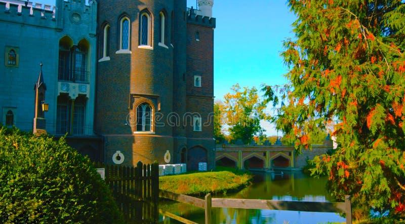 Castle από το εξωτερικό Είναι ένα μεσαιωνικό κάστρο που χτίζεται στο 11ο αιώνα και ένα σημαντικό τουριστικό θέλγητρο στην Πολωνία στοκ εικόνα