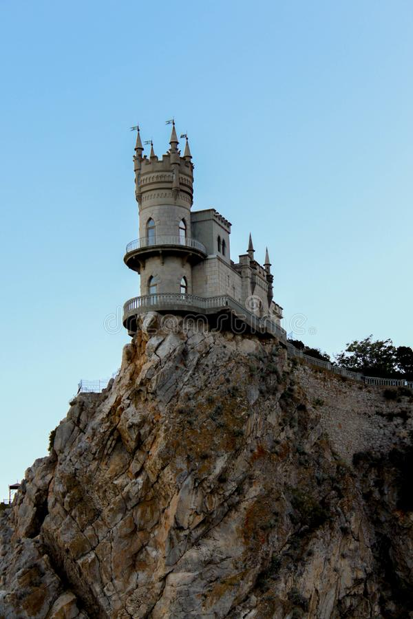Castle στο βράχο στοκ εικόνες